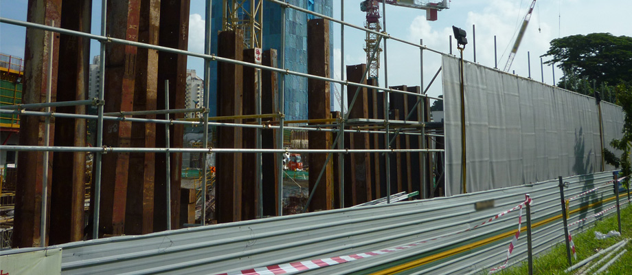 Scaffold-for-Noise-Barriers-at-Singapore-condominium-construction-site-1